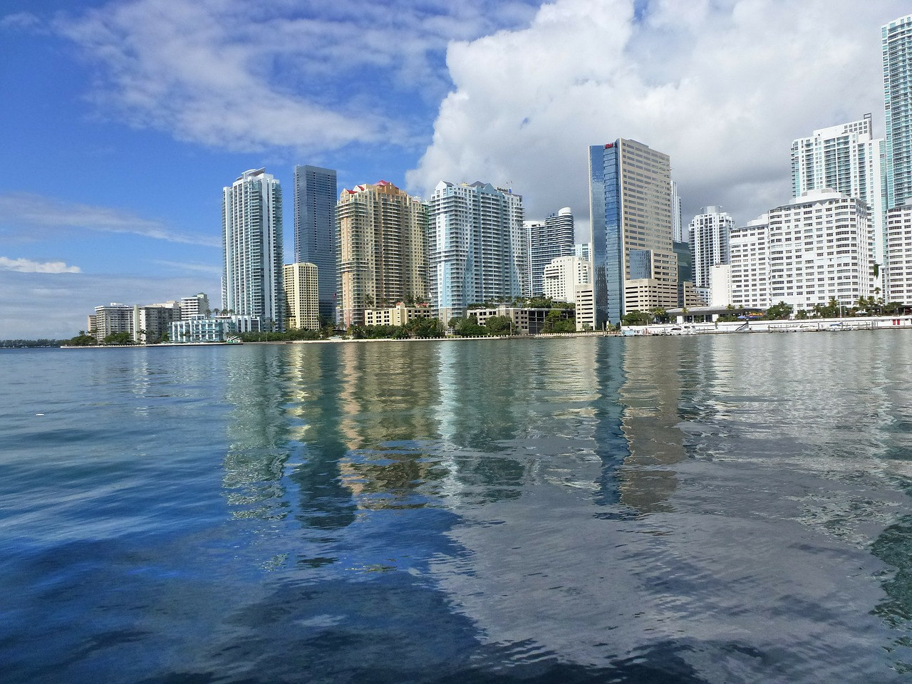 Sunny Isles List of Apartment Buildings